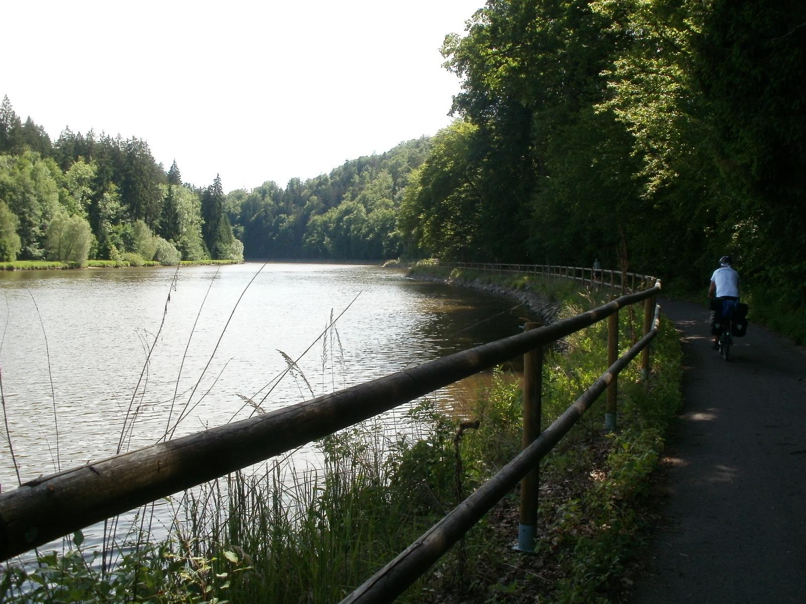 The first good path along the Moldau