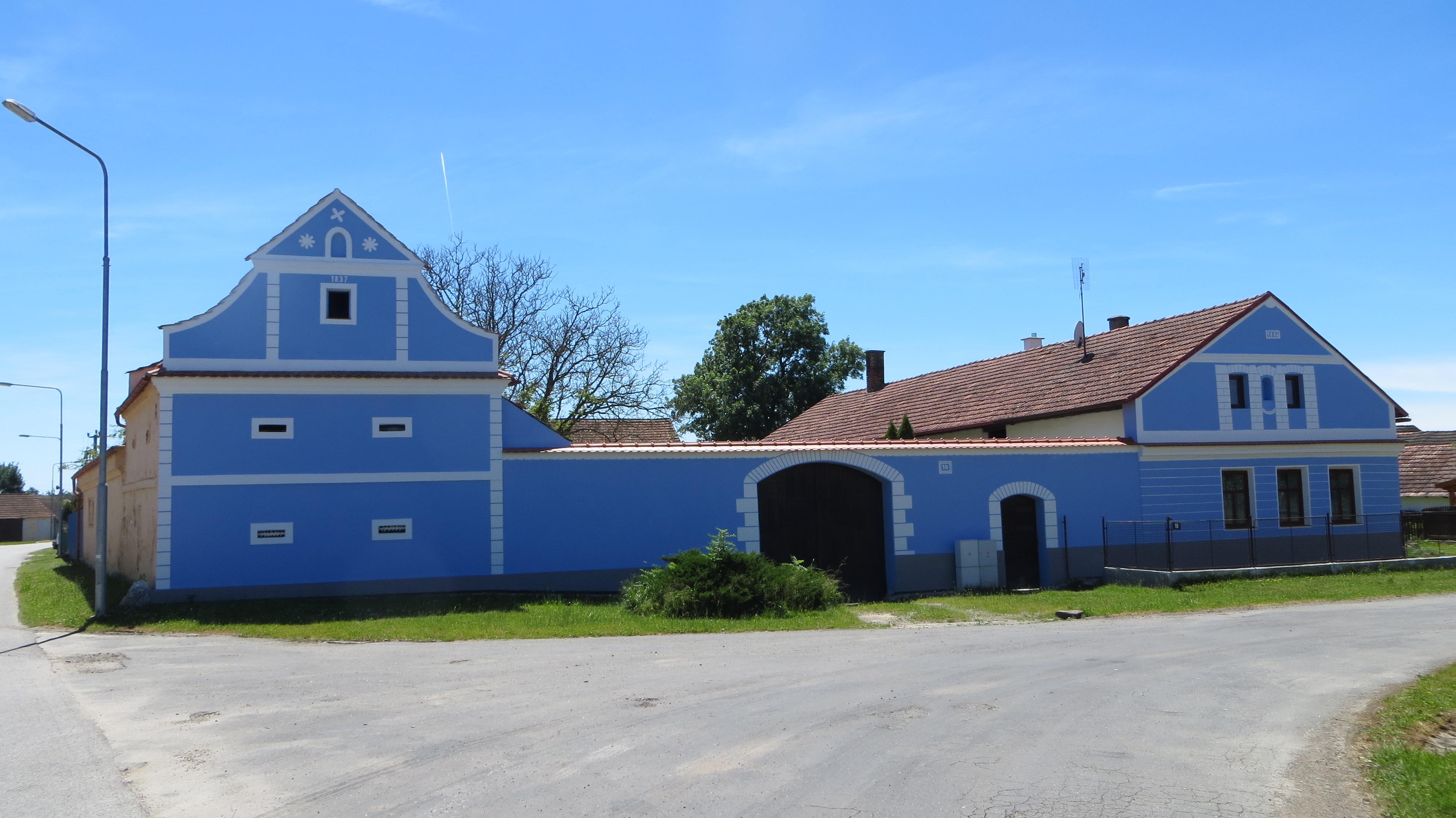 Zálší - Folk Baroque houses